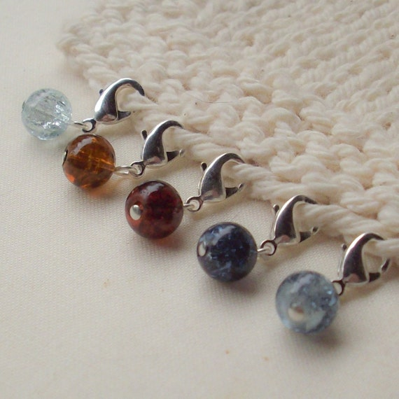 5 Customizable Little Charmer Stitch Markers - Tundra Crackle Beads