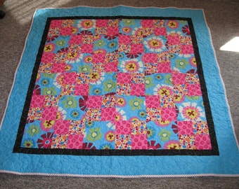 Bright and cheery lap quilt