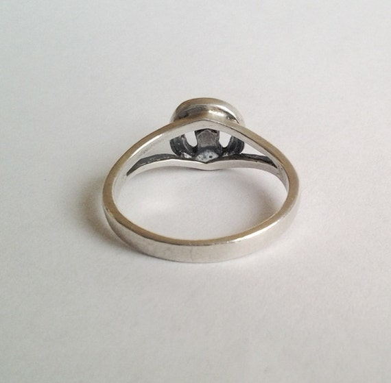 vintage claddagh ring unique and sterling 6 delicate