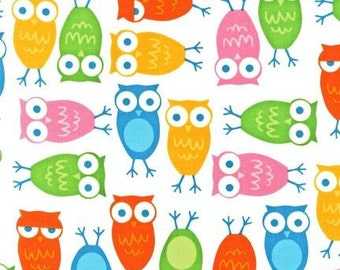 Urban Zoologie Owls in White by Ann Kelle for Robert Kaufman - 1 Yard
