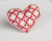 embroidered heart pin kit