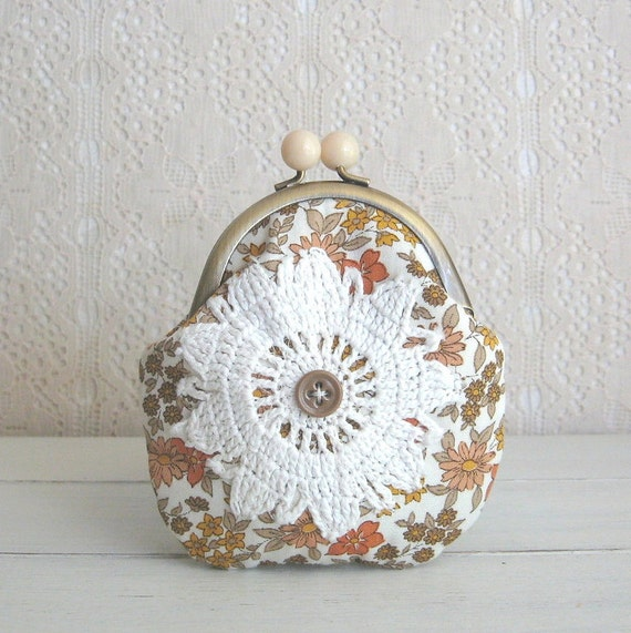 hello spring coin purse - taupe