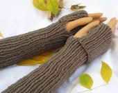 Kiwi and Company's Hand-Knit Long Wrist Gloves Pattern PDF - EASY