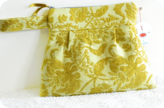 Citron Tapestry Fabric Pleated Wristlet Clutch