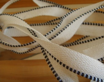 faux bookbinding endband - black and white