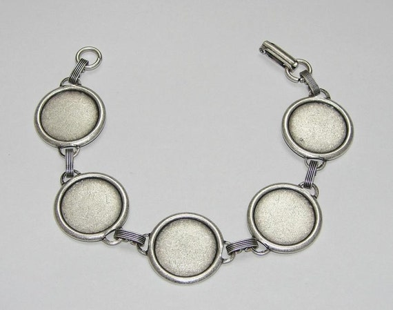 Bracelet Blanks - Matte Silver Ox Link Bracelet Blank with 18mm Round Settings for Glass, Marbles, Resin, Buttons, Etc