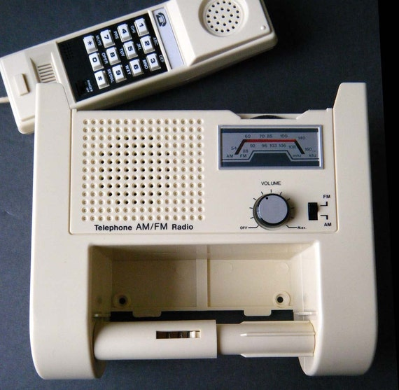 RARE Vintage BATHROOM TELEPHONE AM\/FM RADIO Toilet Paper Holder Excellent Working Condition