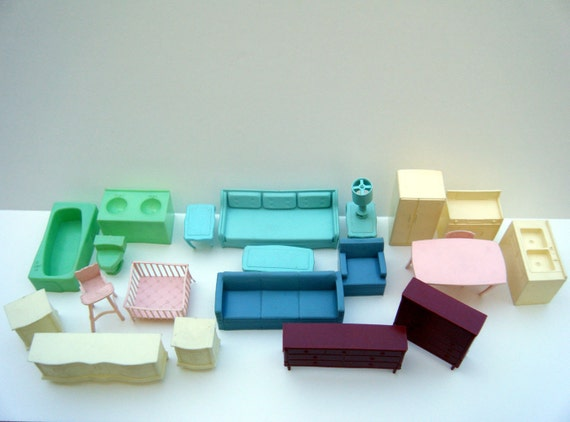 Vinatage Dollhouse Furniture Lot of 23 Pieces Plastic 1960's Doll House Furniture