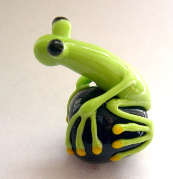 the glass frog bead by blancheandguy on etsy
