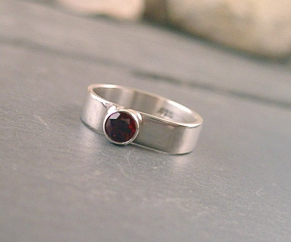 Alexandra Ring - Garnet and Sterling Silver - Size 8.5
