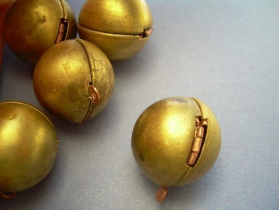 Ball Lockets - Vintage Brass and Copper (10)