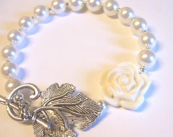 Romantic Swarovski Pearl Flower Bracelet