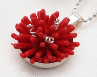 Anemone adjustable silver-plated pendant - Red