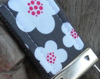 Mini Mini Keychain-Blooms on Gray