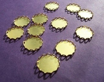 9mm Round Brass Lace Edged or Scalloped Settings 12 Pcs