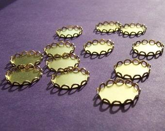 Lace Edged Brass 13mm Round Settings 12 Pcs
