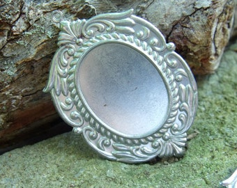 Ornate Stamped Steel 32x25mm Portrait Settings 4