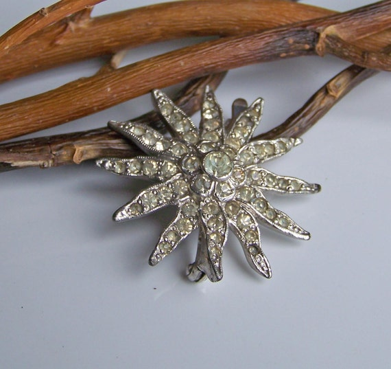 REDUCED Vintage Rhinestone Snowflake Brooch, Etsy Jewelry, Vintage, Jewelry