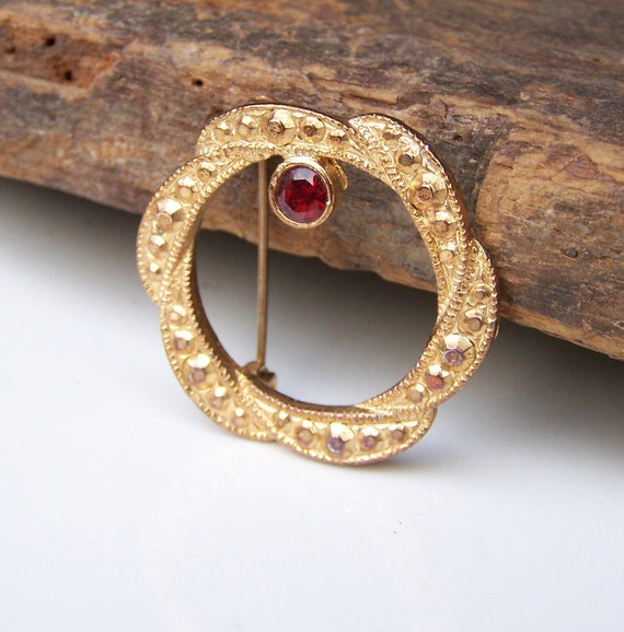 REDUCED Vintage Brass Brooch with Red Glass Stone, Vintage Pin, Gold Pin, Gold Brooch, Costume Jewelry, Gift, Etsy, Vintage Brooch