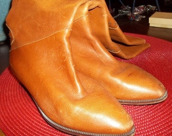 Ultra Cool and Hip 1980's ITALIAN Made Boots - Size 6.5M