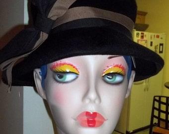 INCREDIBLY Chic Vintage Wool Felt Hat