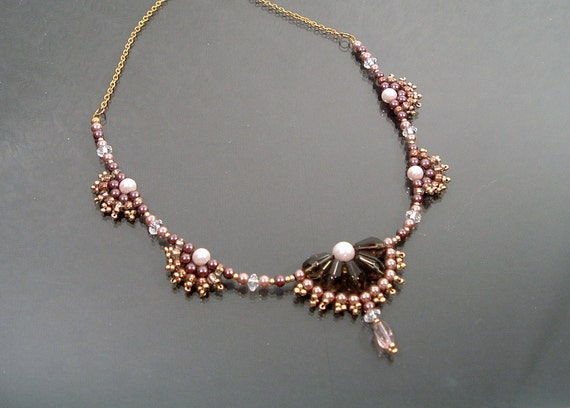 Beaded Fan Necklace with Pearls