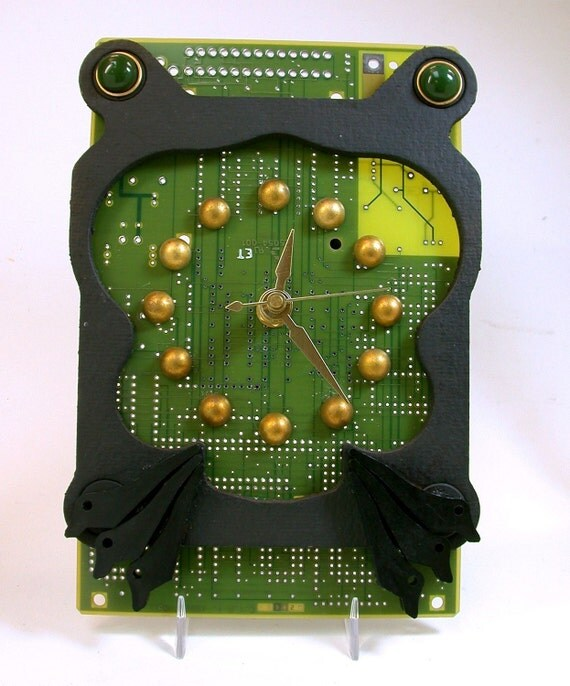 recycled circuit board clock funky geek frog for desk rh etsy com