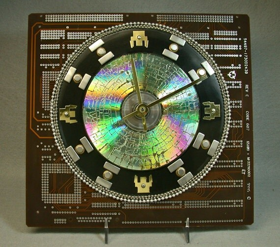 Recycled Vintage Brown CIRCUIT BOARD 45 rpm Vinyl Record Wall CLOCK