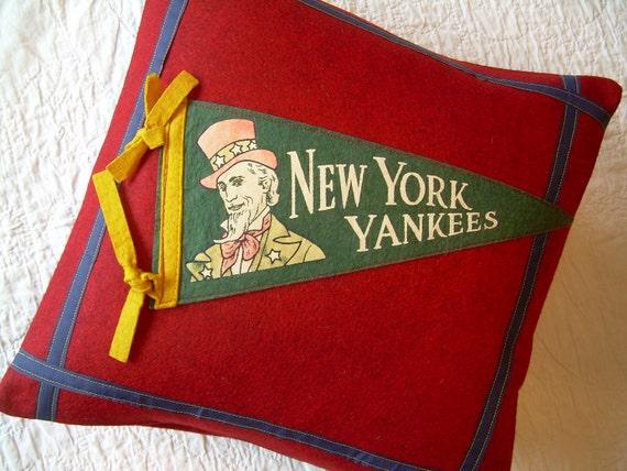 Pennant Pillow - vintage New York Yankees