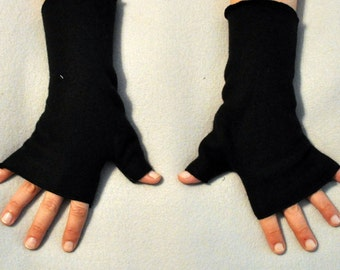 Black Fingerless Gloves Hand Warmers Fleece Gothic Vampire Rave Steampunk Lolita Romantic Cosplay Bohemian Matches Our Hat Styles