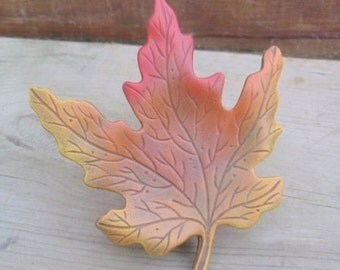 Single Maple Leaf - Fall Decoration - Colorful Fall Accent - Autumn Decoration - Leaves - Halloween Display  - Fall Centerpiece