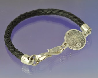Personalised Fingerprint Bracelet. Silver and leather.