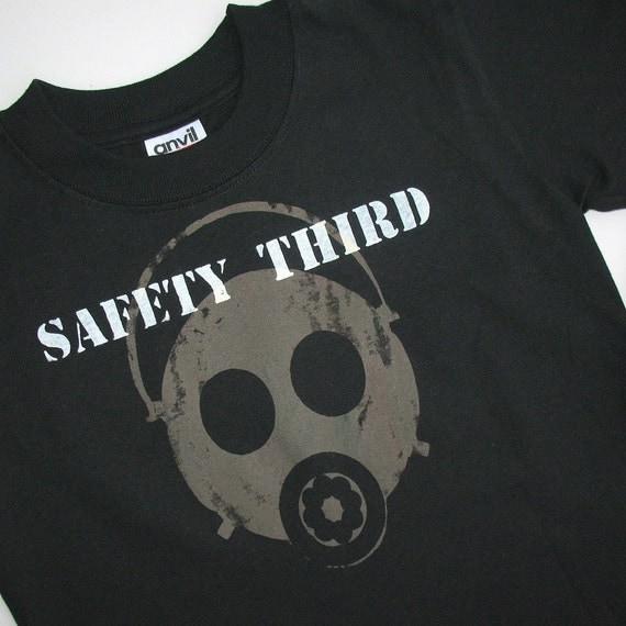 Boys Gas Mask tshirt SAFETY THIRD - KIds shirt black long sleeve tshirt Fall Children clothing children Safety 3rd Sci Fi apocalypse
