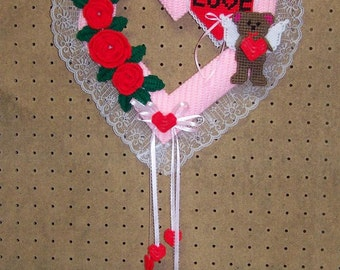 146 Valentine Heart Wreath