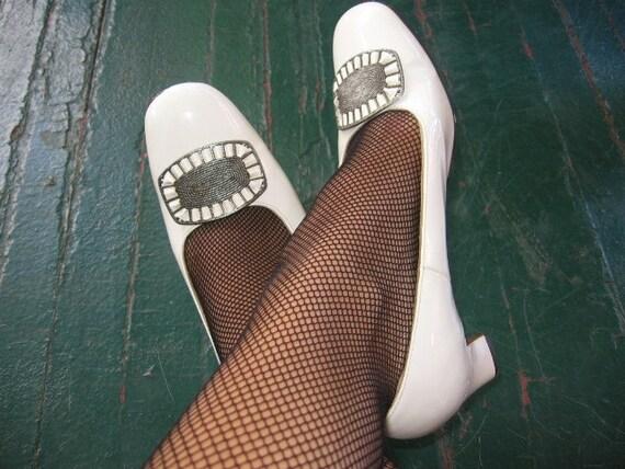 Vintage white silver buckle MOD heels sz 8.5