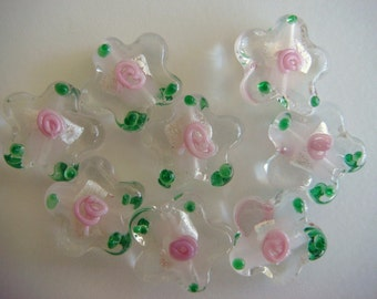 Shiny flower-shaped silver foil glass beads 15mm