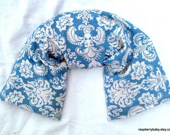 Herbal Wrap - New Size - Versatile hot or cold therapy for neck, shoulders, low back, abdomen, legs and arms - Light Blue Damask