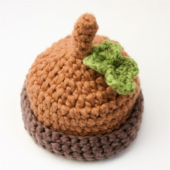 Organic Cotton Baby Hat -  Acorn with Leaf