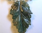 Moss Agate Carved Stone Leaf Pearls and Green Stone Chips Necklace Choker OOAK