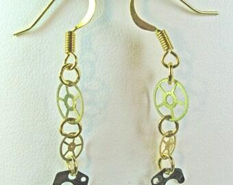 Steampunk Watchgear Lightweight Brass Dangle Earrings