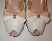 Vintage 50s Styl-EEZ Flair Fit Heels  -  Size 7.5 - Personality Peep Toe and Bow Bone Pumps