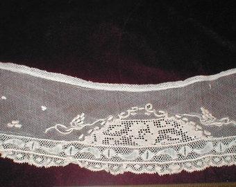 Fine Antique Lace Collar