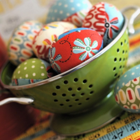 retro ruler easter eggs sewing kit by retromama on etsy