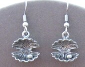 Oyster with Pearl Pewter Earrings