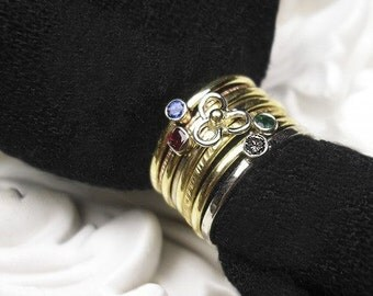 Stackable 14K Gold Flower Ring