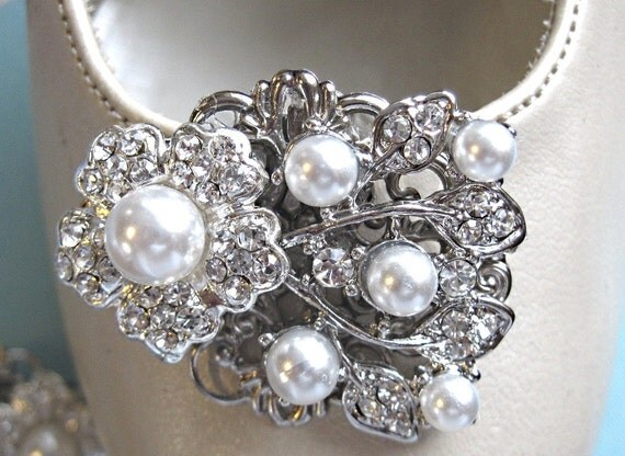 Pearl Bridal, Shoe Clips,Wedding Shoe Clips, Ivory Pearl, shoe clip ons, Crystal and Pearl, Rhinestone shoe clip, Bridal shoe, Pearl Ivy