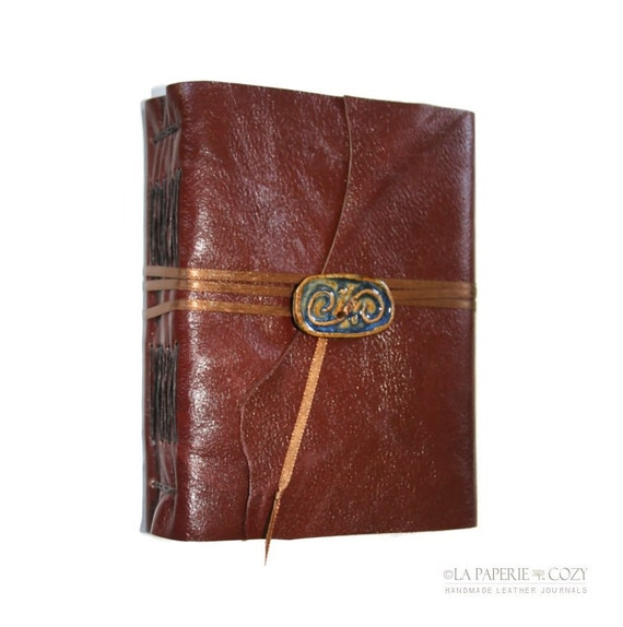 """Leather Journal . Helen Keller quote: """"The most beautiful things in the world... must be felt with the heart."""" handmade (320pgs)"""