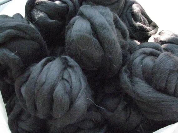 4 oz Jet Black, Mill End Wool Roving