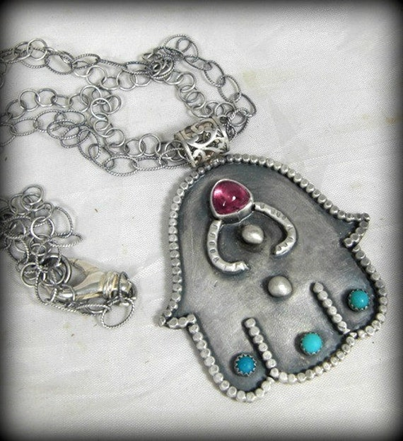 WEEKEND SPECIAL Large Hamsa necklace