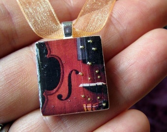 Scrabble tile pendant, VIOLIN, Scrabble piece charm/Scrabble tile jewelry necklace, music teacher, wedding favors